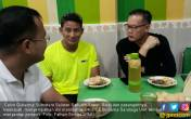 Makan Pempek Bareng Sandi, Cagub Sumut Pengin Adopsi OK OCE - JPNN.COM