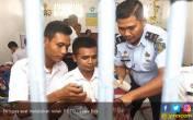 Petugas Razia Dadakan di Lapas, ini yang Ditemukan - JPNN.COM