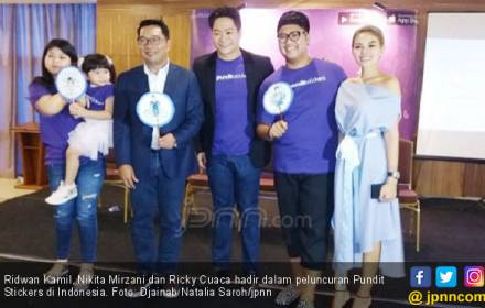 Hadir di Indonesia, Pundit Stickers Gandeng Selebritas Lokal - JPNN.COM
