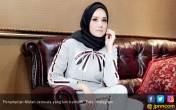 Mulan Jameela Ungkap Alasannya Berhijab - JPNN.COM