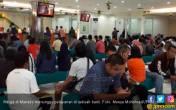 Tukar Uang Baru, Warga Manado Serbu Bank - JPNN.COM