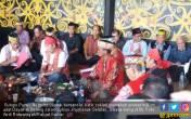 Meski Sakit, Sutopo Purwo Hadiri Sidang Hukum Adat Dayak - JPNN.COM