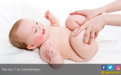 Lima Manfaat Pijat untuk Bayi Anda - JPNN.COM