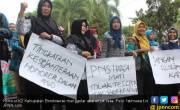 Pelaku Teror Bom Di Tiga Gereja Di Surabaya Satu Keluarga - JPNN.COM