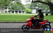 Jajal Motor Listrik Gesits, Jokowi: Enggak Ada Grengnya - JPNN.COM