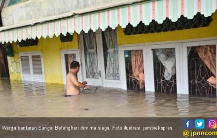 Air Kiriman Segera Tiba, Warga Bantaran Sungai Diminta Siaga - JPNN.COM