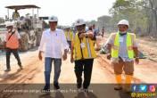 Jokowi Ingatkan, Pembangunan Indonesia Tidak Hanya di Jawa - JPNN.COM