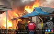 Kebakaran Hebat di Kuala Tungkal, 15 Rumah Ludes dalam 1 Jam - JPNN.COM