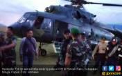 Mencekam, TNI-Polri Ditembaki KKB Saat Evakuasi Korban - JPNN.COM