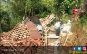 Puting Beliung Beruntun Terjang Wilayah Ini - JPNN.COM