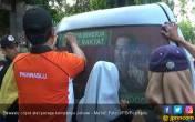 Bawaslu Copot Alat Peraga Kampanye Jokowi - M'aruf - JPNN.COM