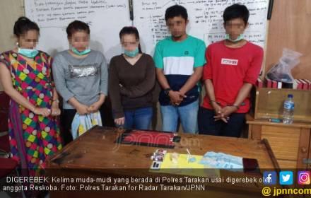 Parah! 3 Wanita dan 2 Pria Gelar Pesta Terlarang di Rumah - JPNN.COM
