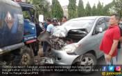 Kecelakaan Maut Mobil vs Tangki, Anggota Dewan Meninggal - JPNN.COM